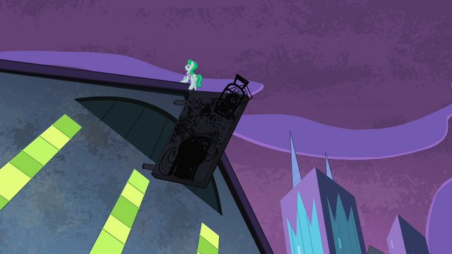 File:Henchpony kicking the neon sign S4E06.png