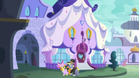 Ponet and Golden Harvest walking past the Canterlot Carousel S5E15