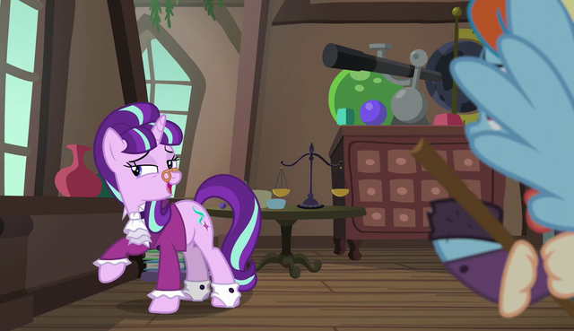 """File:Snowfall Frost """"singing songs and being nice"""" S6E8.png"""