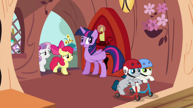 File:Twilight invites foals inside the library S4E15.png