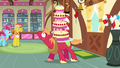 Big Mac struggling with cake S2E24.png