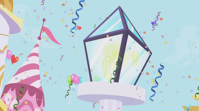 File:Gala decorations and fairy lights S1E03.png