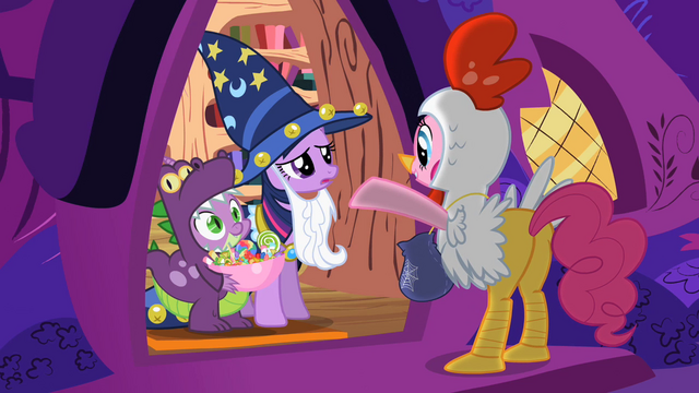 File:Spike smiling at Pinkie S2E4.png