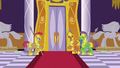 The royal guards S5E15.png