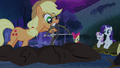 Applejack starting the fire S3E06.png