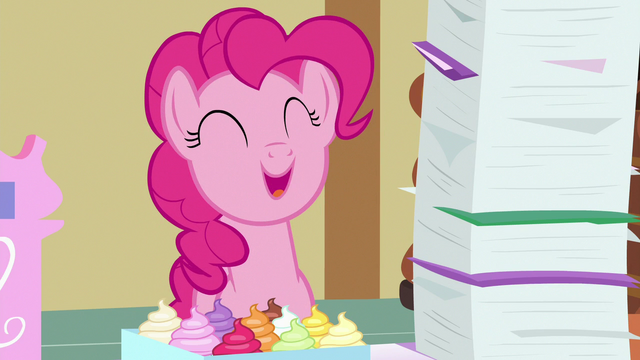 "File:Pinkie Pie ""I am pretty awesome"" S7E3.png"