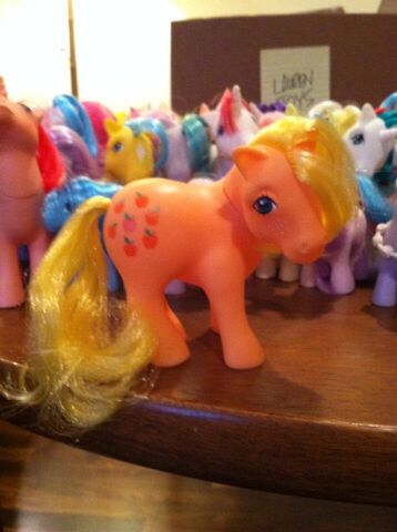 File:Lauren Faust G1 Applejack toy.jpg