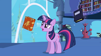 Twilight looking for book S1E01