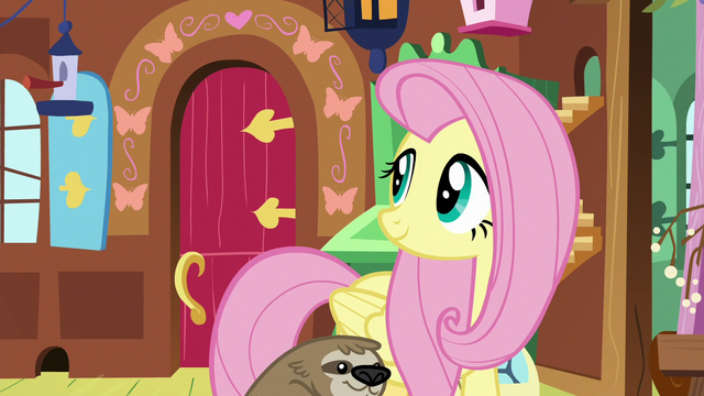 File:Fluttershy looking at the front door S7E5.png
