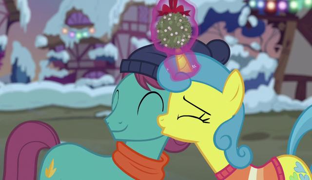 File:Lemon Hearts kissing a stallion's cheek S6E8.png