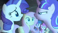 Starlight looks at Rarity menacingly S5E1