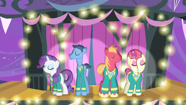 File:The Ponytones on stage S4E14.png