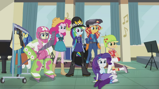 File:Sunset and friends in bizarre attire EG3.png