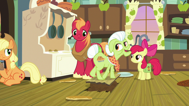 File:Granny Smith stepping over the filled hole S7E13.png