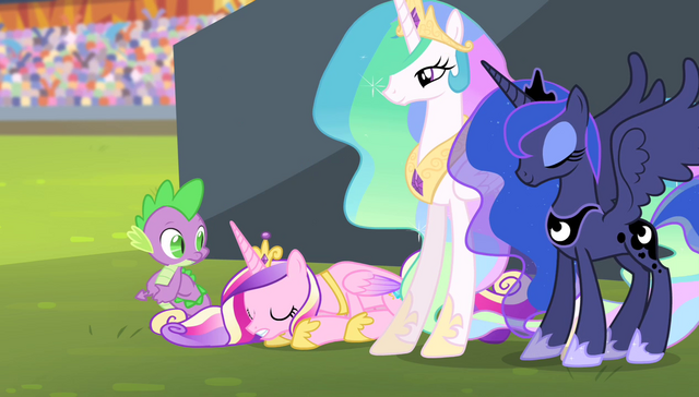 File:Princess Cadance bowing to Spike S4E24.png