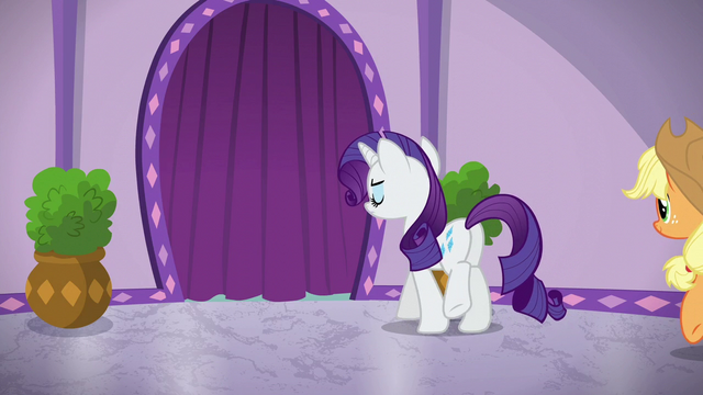 File:Rarity approaches the steam room area S6E10.png