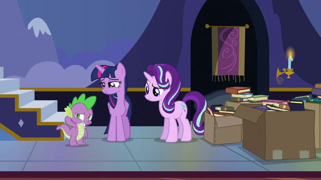 File:Twilight smiling at embarrassed Spike S6E25.png