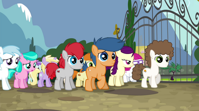 File:Foals catch the CMC escaping S4E15.png