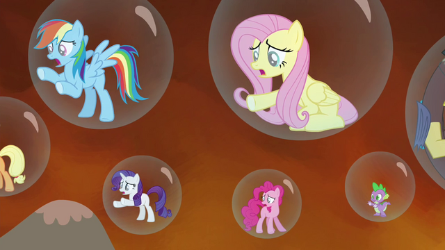 File:Twilight's friends gasp S4E26.png