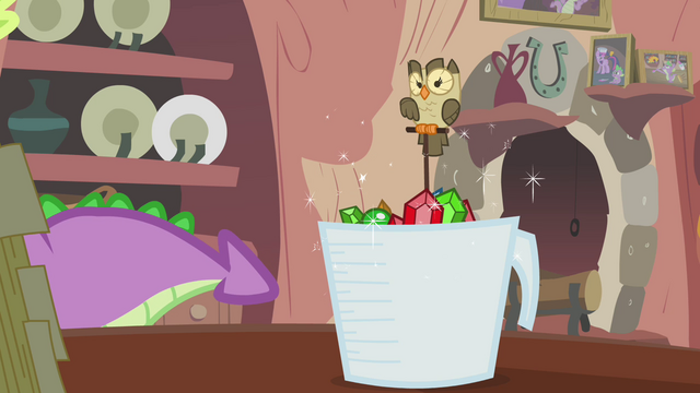 File:Owlowiscious keeps watching Spike S3E11.png