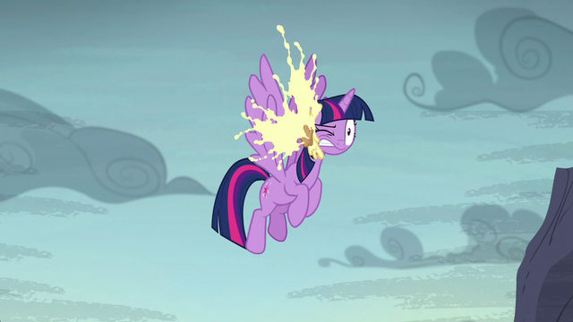 File:Cupcake splats in Twilight's face S5E23.png