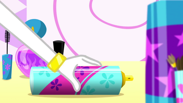 File:Rarity picking up a can of hairspray SS1.png