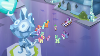 Spike telling stories to the Crystal Ponies S6E1