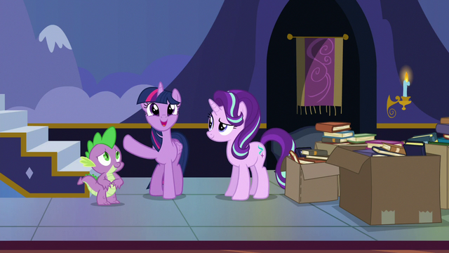 """File:Twilight """"keep the new books front and center!"""" S6E25.png"""
