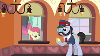 Apple Bloom 'No th-th-that's her' S3E4