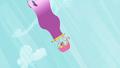 Cherry Berry plummeting in a hot air balloon S2E08.png