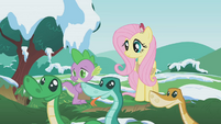 Fluttershy and Spike watch the snakes S1E11