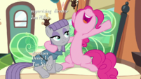 "Pinkie Pie ""the doctor is"" S7E4"