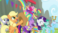 Mane 4 cheering for Rainbow S4E10