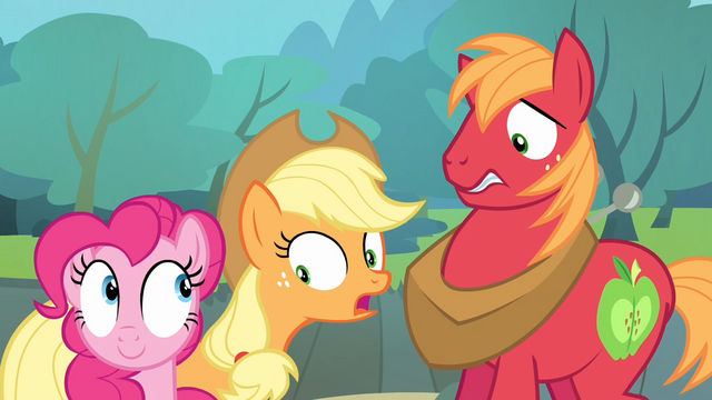 File:Applejack notices Pinkie S4E09.png