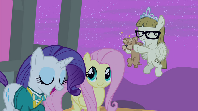 File:Rarity thanks Zipporwhill S4E14.png