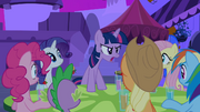 Trying to Reveal Cadance's True Colors S02E25.png