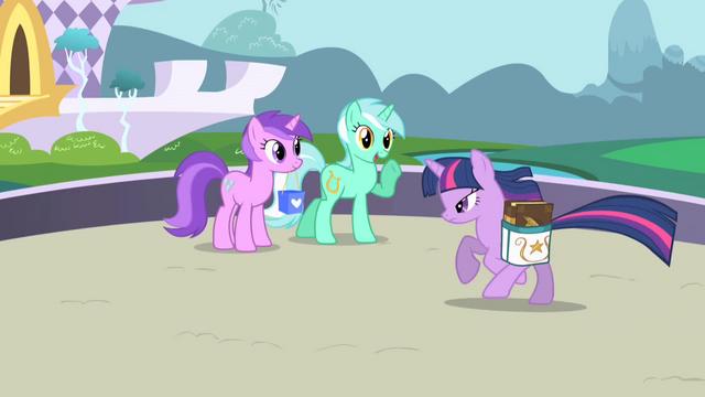Файл:Lyra Heartstrings greets Twilight S01E01.png