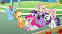 Main five looking at Applejack S5E19