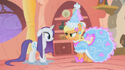 Applejack in fancy outfit S01E08.png