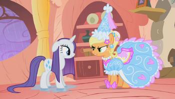 Applejack in fancy outfit S01E08.png
