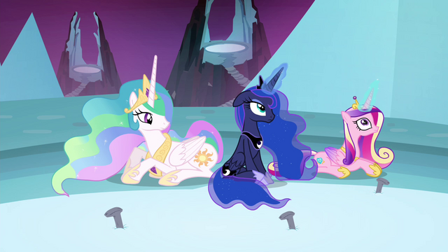 File:Luna and Cadance have their magic back S4E26.png