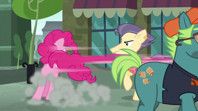 File:Pinkie Pie appears before Pouch Pony S6E3.png