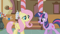 "Twilight ""They're amazing!"" S1E10.png"