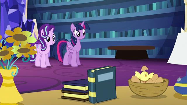 File:Twilight turns apple into nest of bird eggs S6E21.png