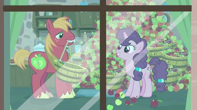 File:Big Mac giving Sugar Belle even more apples S7E8.png
