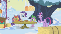 Twilight offering to help Rarity S1E11