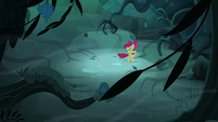 Apple Bloom swept by the wind again S5E4