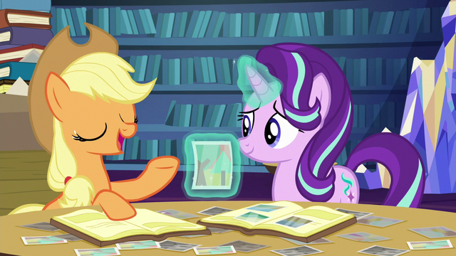 File:Applejack tells a story about the photo S6E21.png