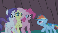 Rainbow Dash about to scare friends S1E02