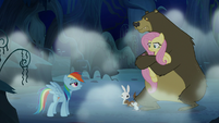 "Rainbow Dash goes ""boo"" S6E15"